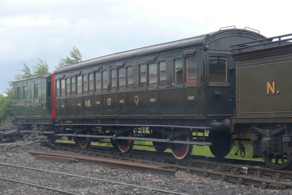 Highland Railway Coup� Composite 6-wheel coach No.89